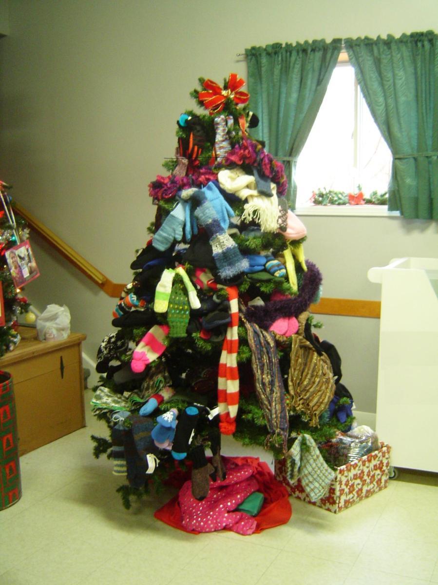 Mitten Tree December 2017