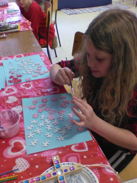 Painting Puzzle Pieces for Valetine Cards (1)